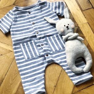 couture bébé combinaison